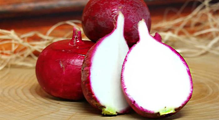 Eylül ayı sebzeleri - kırmızı turp