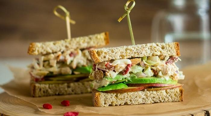 Starbucks fit ürünler - Tavuklu Glutensiz Sandviç