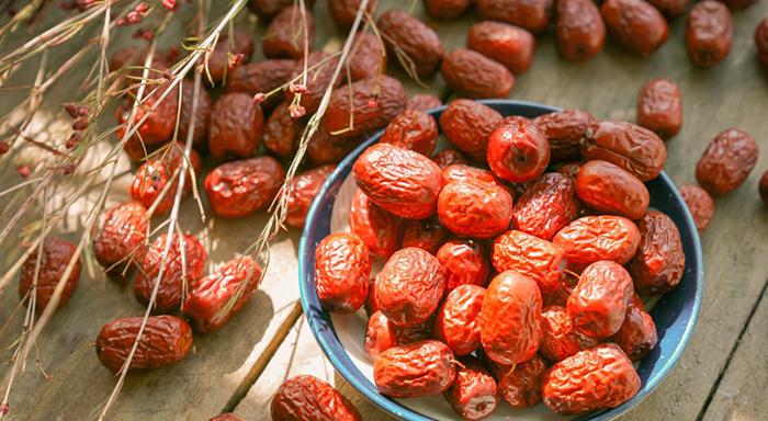 Ekim ayı meyveleri - hünnap